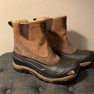 The North Face Chilkat lll pull on boots